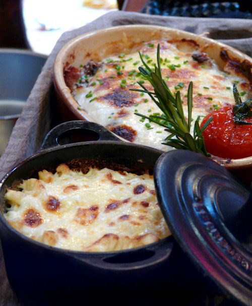 Veal escalope with ham, cheese and cream